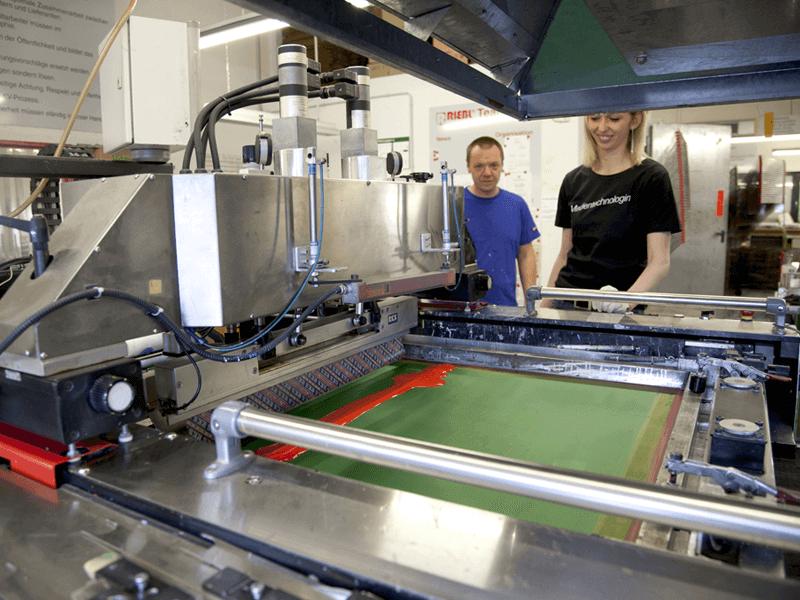 Produktion Siebdruckaufkleber